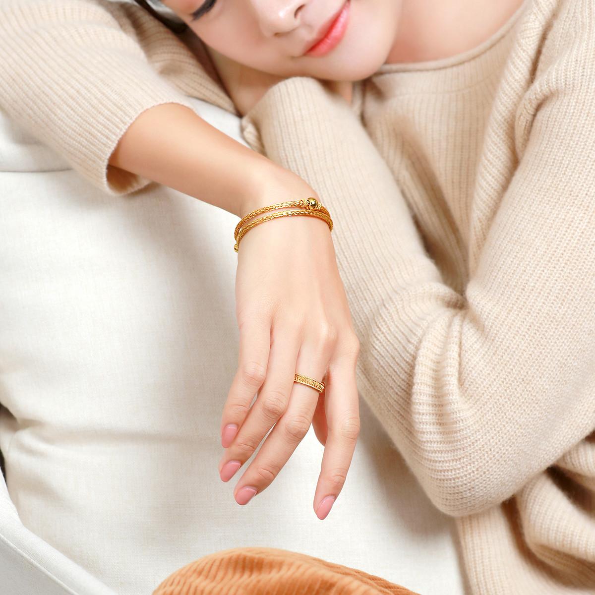 六福珠宝六福珠宝精工款编织纹黄金戒指女戒闭口戒计价A03TBGR0001-C