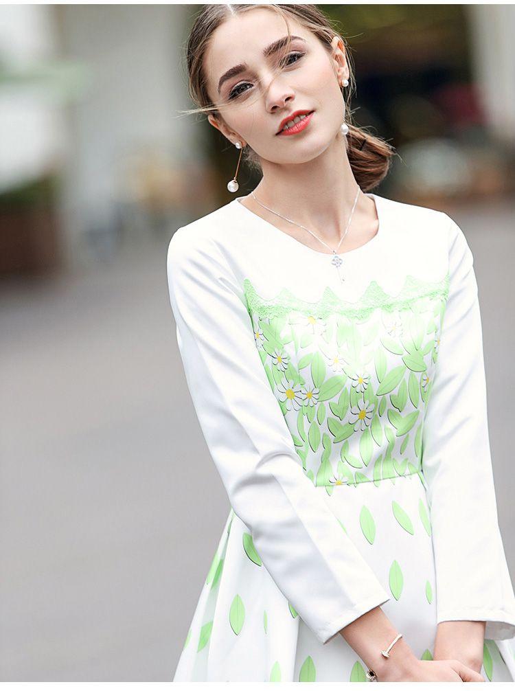 白/浅绿色清新优雅印花长袖连衣裙