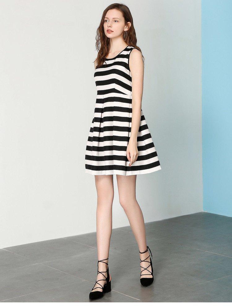 圆领条纹修身连衣裙白底黑条色