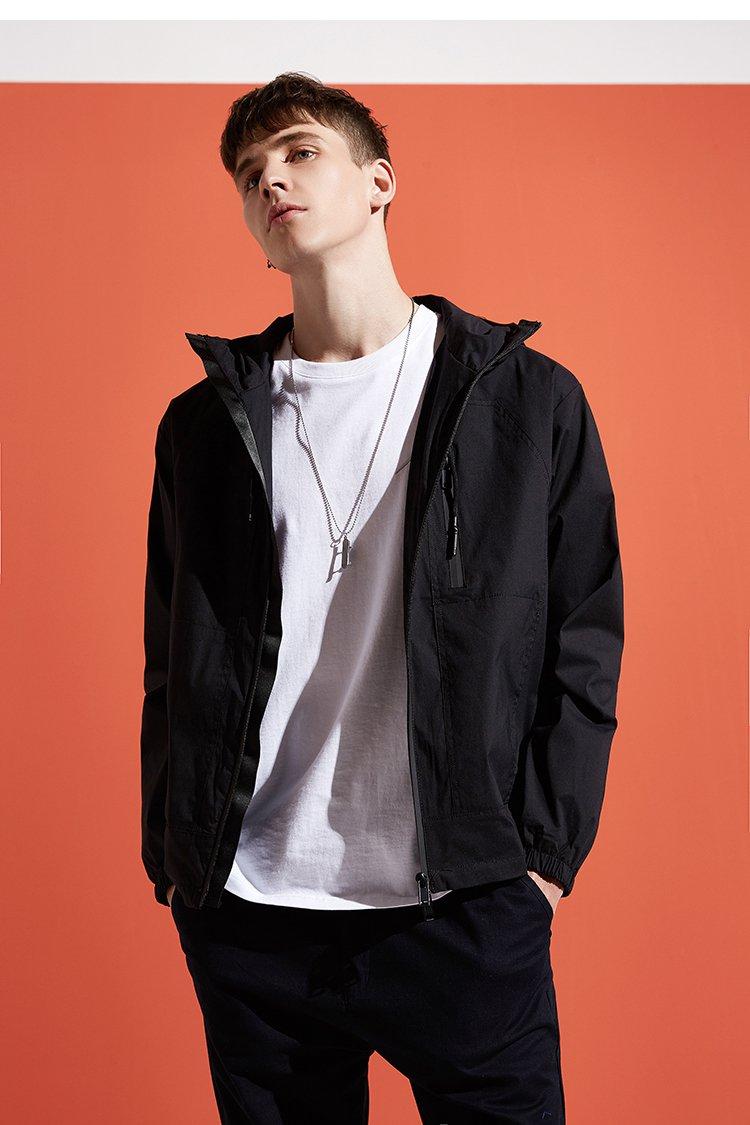 拉链外套黑色           每一件lilbetter,都有一处让你难忘的设计!