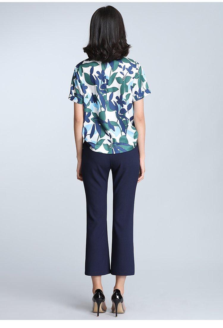 时尚气质印花两件套套装白底蓝花