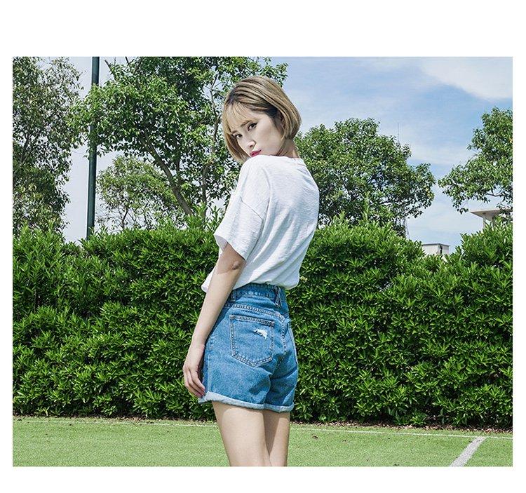 甜美萌妹子绣花牛仔短裤浅蓝色