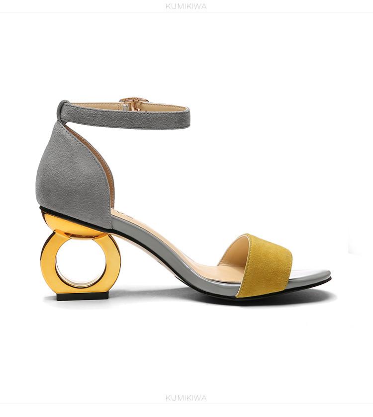 2017年新款一字型露趾凉鞋