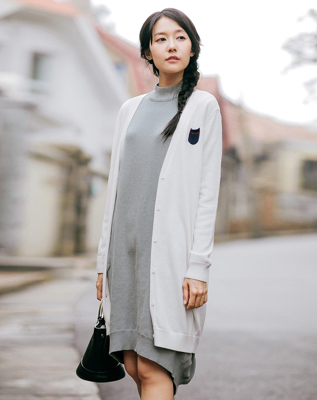 茵曼秋装女款文艺优雅单排扣开衫V领罗纹下摆素雅简洁女式毛衣1873131415HM188