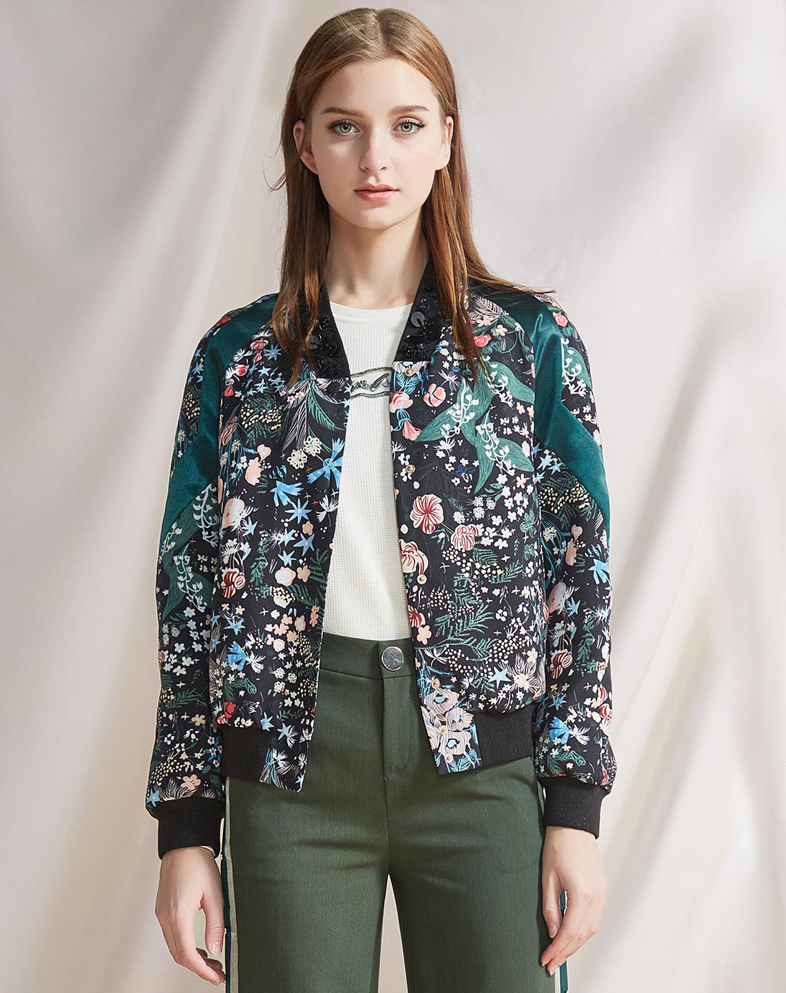 XGXG雪歌春季时尚立领钉珠短外套女 印花拼接夹克XE107002B106