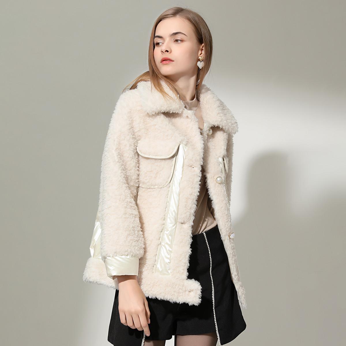 今典女款简约翻领优雅珍珠扣100%羊毛颗粒绒复合皮毛一体皮草外套597179610