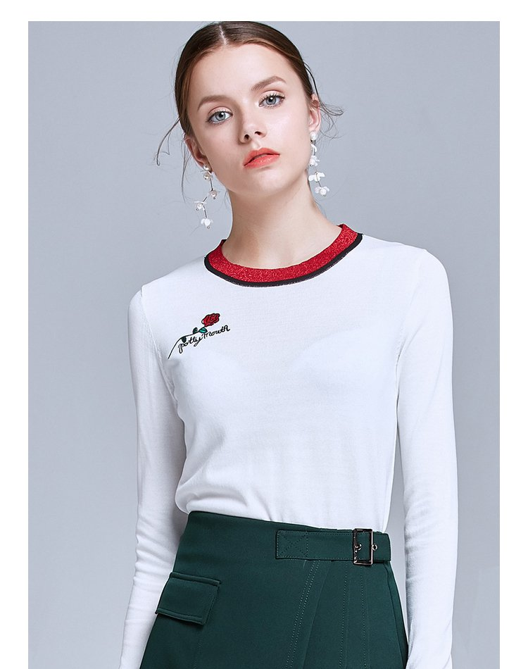 时尚绣花圆领针织衫