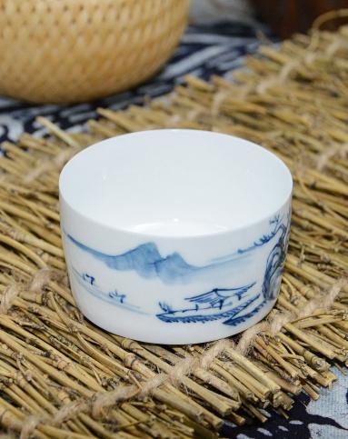 hong茶具手绘青花瓷品茗杯-荷花小直口杯