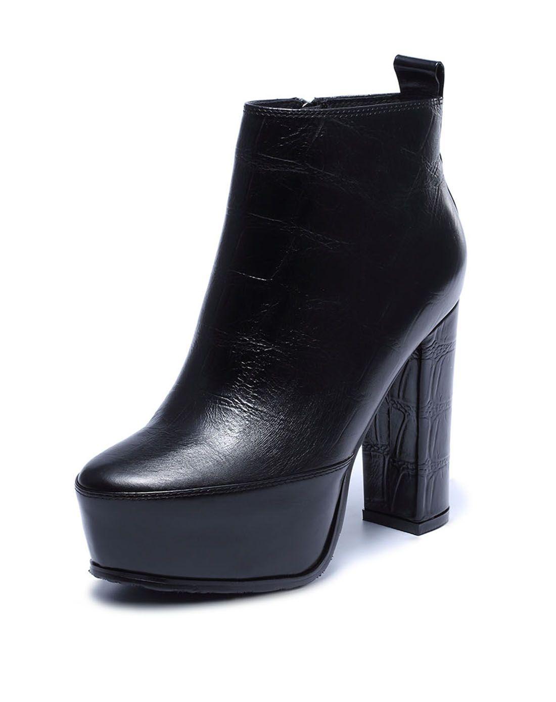 黑色牛皮时尚粗跟超高跟鞋